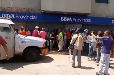 ¡POR FAVOR! Tras protestas por falta de efectivo, vea lo que envió el BCV a los bancos de Bolívar (+qué vergüenza)