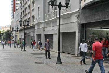 ¡TERRIBLE! Tras la llegada de la reconversión, el aumento salarial y la crisis, comerciantes han tenido que cerrar sus negocios en Caracas