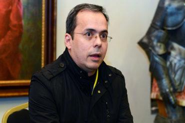 """¡LE DISGUSTA! J.J Rendón cuestiona que ante la crisis existan venezolanos que suben fotos en las redes para """"alardear"""" de bienestar (+Video)"""
