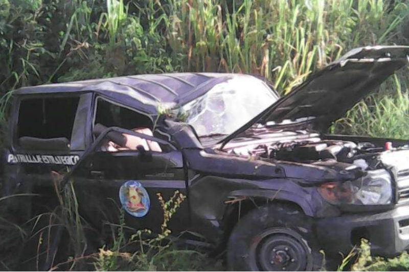 ¡TERRIBLE! Se volcó patrulla que trasladaba al personal de seguridad de los periodistas deportados desde Paraguachón