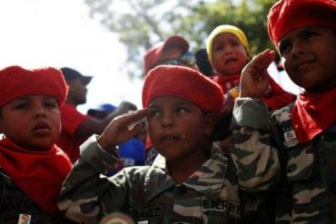 """¿ADOCTRINADO? Niño en marcha chavista: """"Estamos luchando por hacer irreversible la revolución bolivariana"""" (+Video)"""