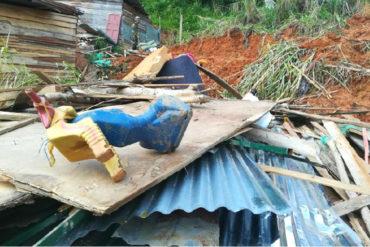 ¡TERRIBLE DESGRACIA! Una avalancha sepultó a una familia de cinco venezolanos en Colombia (tres eran niños)