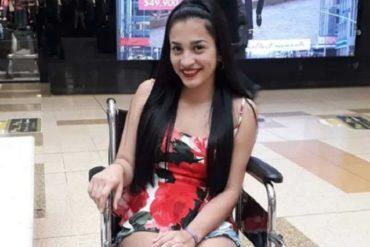 ¡TRAGEDIA! Adolescente quedó en silla de ruedas por un mal tatuaje y perdió a su bebé (cumplió 15 años en el hospital)