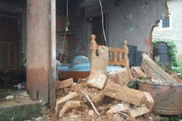 ¡QUÉ TRAGEDIA! Fuertes lluvias en Carayaca dejaron 1 muerto, 88 viviendas afectadas y varios derrumbes (+Fotos)