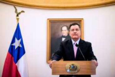 """¡CLARITO! Roberto Ampuero insiste que la solución a la crisis de Venezuela debe ser """"política y pacífica"""" (+Video)"""
