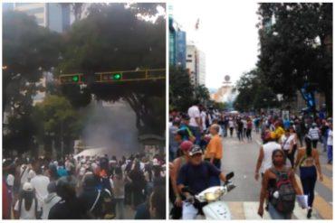 ¡ATENCIÓN! Reportan fuerte represión en Chacaíto este #23Ene tras juramentación de Guaidó (+Videos)