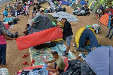 ¡ENTÉRESE! Desalojarán a 400 venezolanos que invadieron terrenos en Cali (encontraron drogas, cuchillos y machetes)