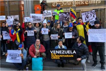 "¡INDIGNADOS! Venezolanos protestan frente a The New York Times por ""proteger a Maduro"" con reportaje sobre quema de ayuda humanitaria (+Fotos)"