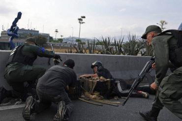 ¡CARGADOS! Estas serían las municiones de los militares que apoyan a Guaidó en el distribuidor Altamira (+Video)