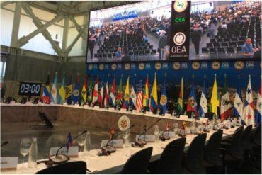"""¡SIN PELOS EN LA LENGUA! Maduro llevó hasta con el tobo en la Asamblea de la OEA: """"Es un dictador, un usurpador con todas las de la ley"""""""