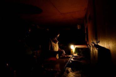 ¡OTRA VEZ! Reportan fuerte bajón eléctrico y fallas de luz en varias zonas de la Gran Caracas