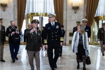 ¡AJÁ! Jefe del Comando Sur alertó al Ejército argentino de la «amenaza» que representan Venezuela y China para su país