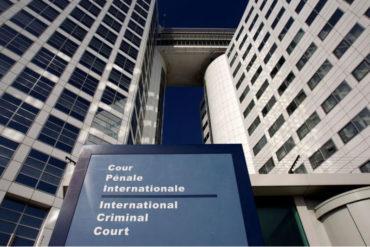 ¡SEPA! Trump autorizó sanciones contra jueces de la CPI que investiguen a tropas de EE UU o aliados (Calificó al organismo de «corrupto»)