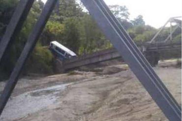 ¡TREMENDO SUSTO! Al menos 20 lesionados dejó el aparatoso accidente de un autobús en El Vigía