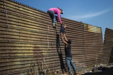¡LE CONTAMOS! Los bajaron del autobús a empujones: El relato de los migrantes venezolanos que fueron expulsados de EEUU a México (están actualmente en Monterrey)