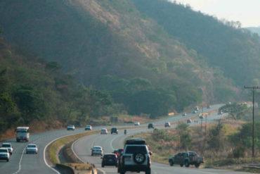 ¡SEPA! Volcamiento de un vehículo blindado del BCV dejó cuatro personas heridas en la ARC