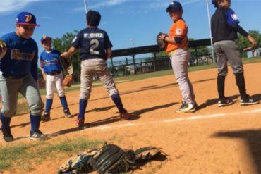 """¡TE LO CONTAMOS! Los niños venezolanos sueñan con convertirse en beisbolistas pese a la crisis: """"Llora por venir a las prácticas"""" (+Videos)"""