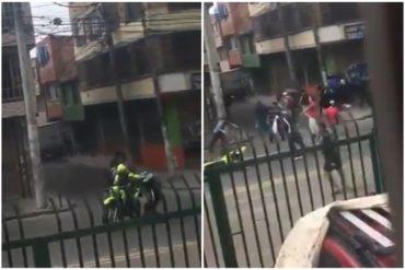 ¡SORPRENDENTE! El instante en el que atacaron a un policía colombiano en populosa zona de Bogotá (+Video)