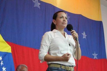 """¡AY, PAPÁ! María Corina alerta de infiltrados en la oposición que buscan favorecer ruta que lleve a la cohabitación: """"Hay que depurarnos de cómplices y corruptos"""""""
