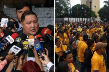 """¡ALERTA! Personas vestidas con camisas de Primero Justicia llegaron al TSJ para """"respaldar"""" a los diputados Conrado Pérez y José Brito (+Fotos)"""