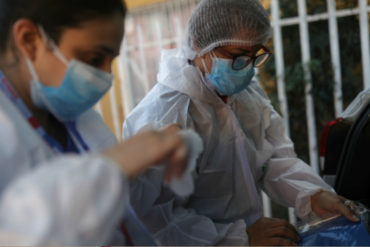 ¡LOABLE! Médicos venezolanos dan un paso al frente en la atención del coronavirus en Chile