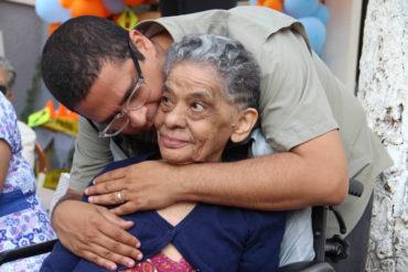 ¡LAMENTABLE! Muere la madre del politólogo y expreso político Nicmer Evans: «Mi motivo de existencia y lucha, mi amor eterno»