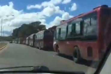 ¡FALTA PUEBLO! El Pitazo asegura que se utilizaron 50 autobuses para llevar militantes al acto de Diosdado Cabello en Puerto Ordaz (+Video)