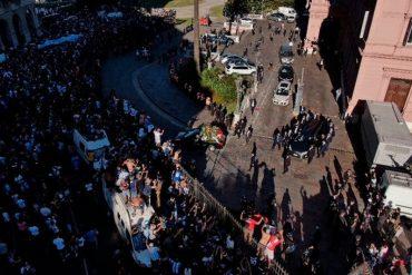 """¡SÉPALO! Alerta de """"riesgo epidemiológico"""" en Buenos Aires por el multitudinario velorio de Diego Maradona: """"No fue bueno"""""""