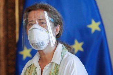 ¡AQUÍ ESTÁ! Así fue la conmovedora despedida de la embajadora de la UE en Venezuela: fue expulsada por el régimen en respuesta a las sanciones (+mensaje)